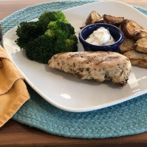 Dill Chicken with Cucumber Yogurt Sauce